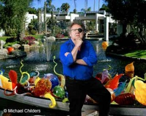 Dale-Chihuly-(with-work)